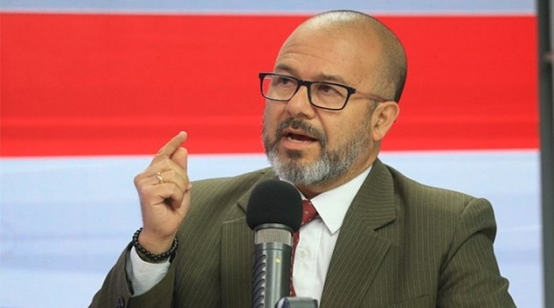 APRUEBAN ACUSACIÓN CONSTITUCIONAL CONTRA EXMINISTRO DE SALUD
