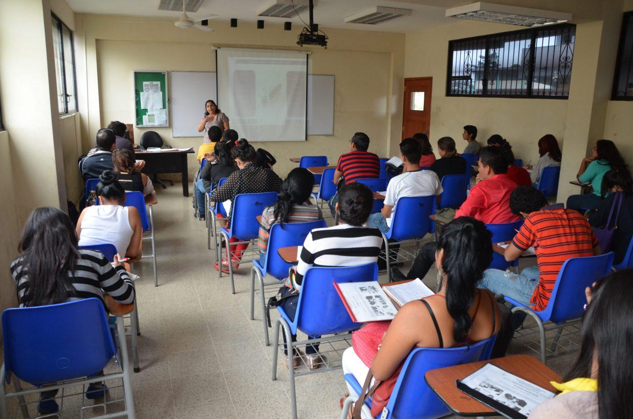 https://elgranperiodicodelaire.com/wp-content/uploads/2021/08/Universidad-Publica-scaled-2-1280x848.jpg